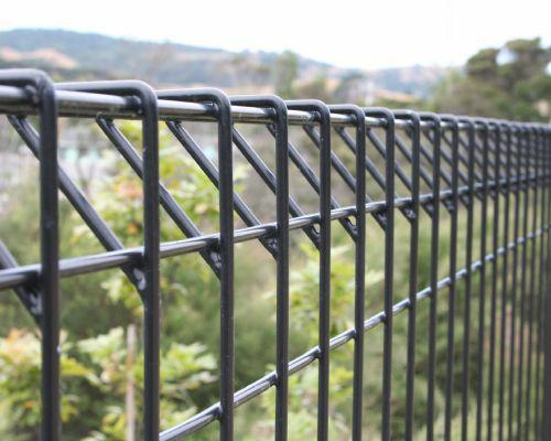 landscape fencing.jpg